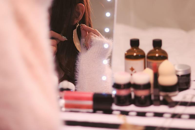 鏡に向かって「可愛い!」言葉のシャワーを浴びよう