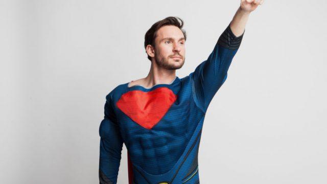 男性のヒーロー願望を満たす女性は愛される
